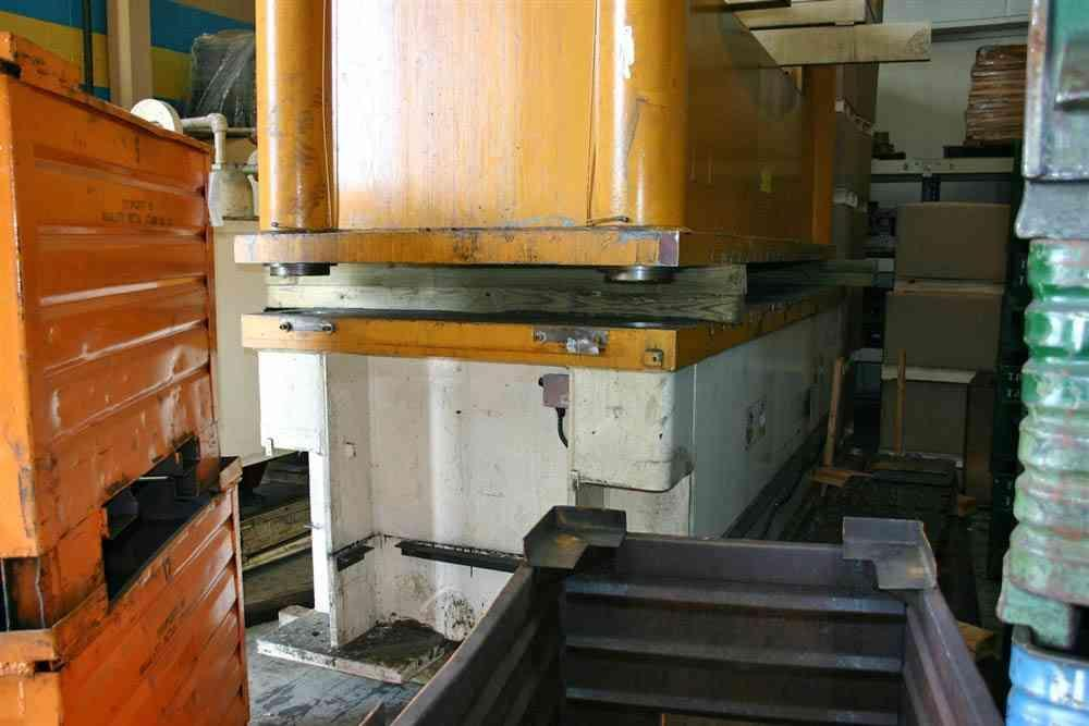 150 Ton Dake 4 Post Hydraulic Tryout Press