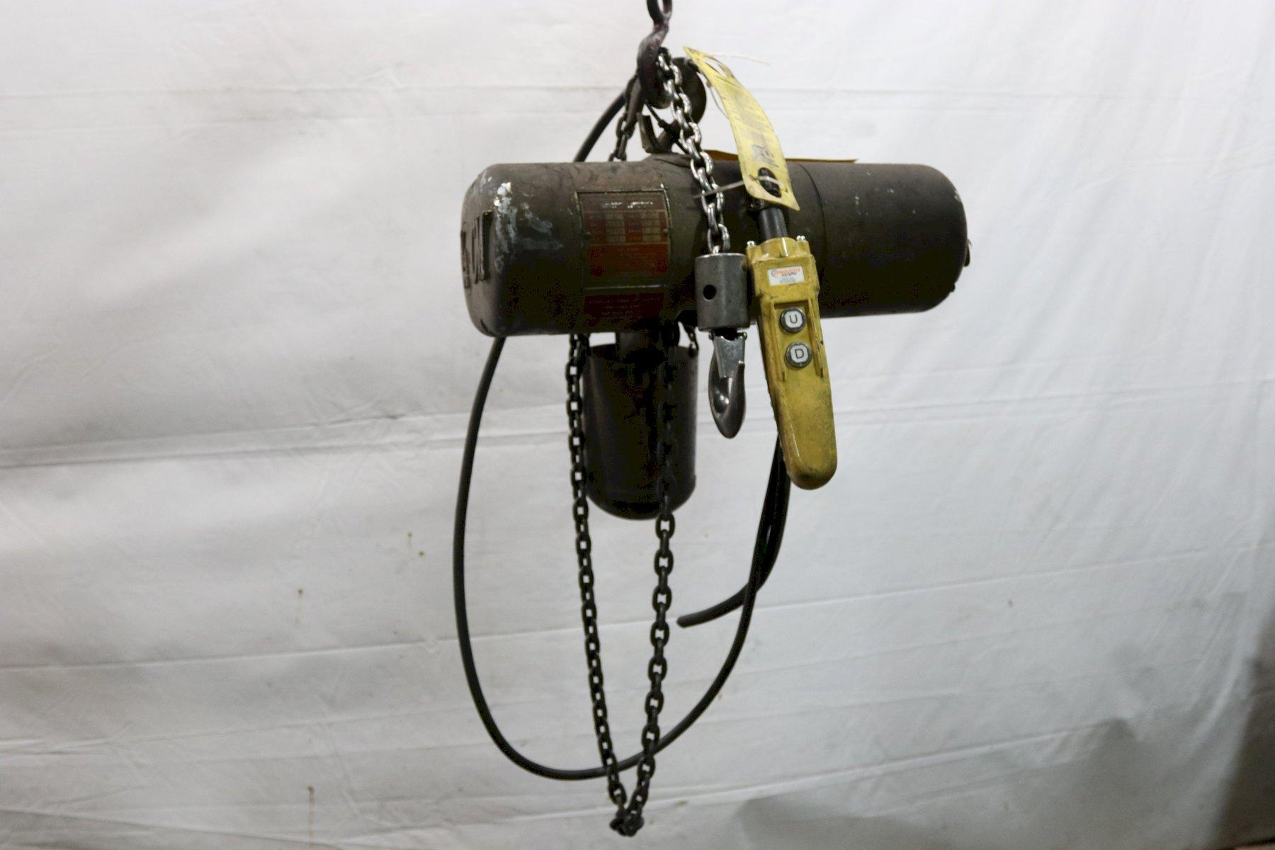 1/4 TON CM LODESTAR ELECTRIC POWERED CHAIN HOIST : STOCK #11996