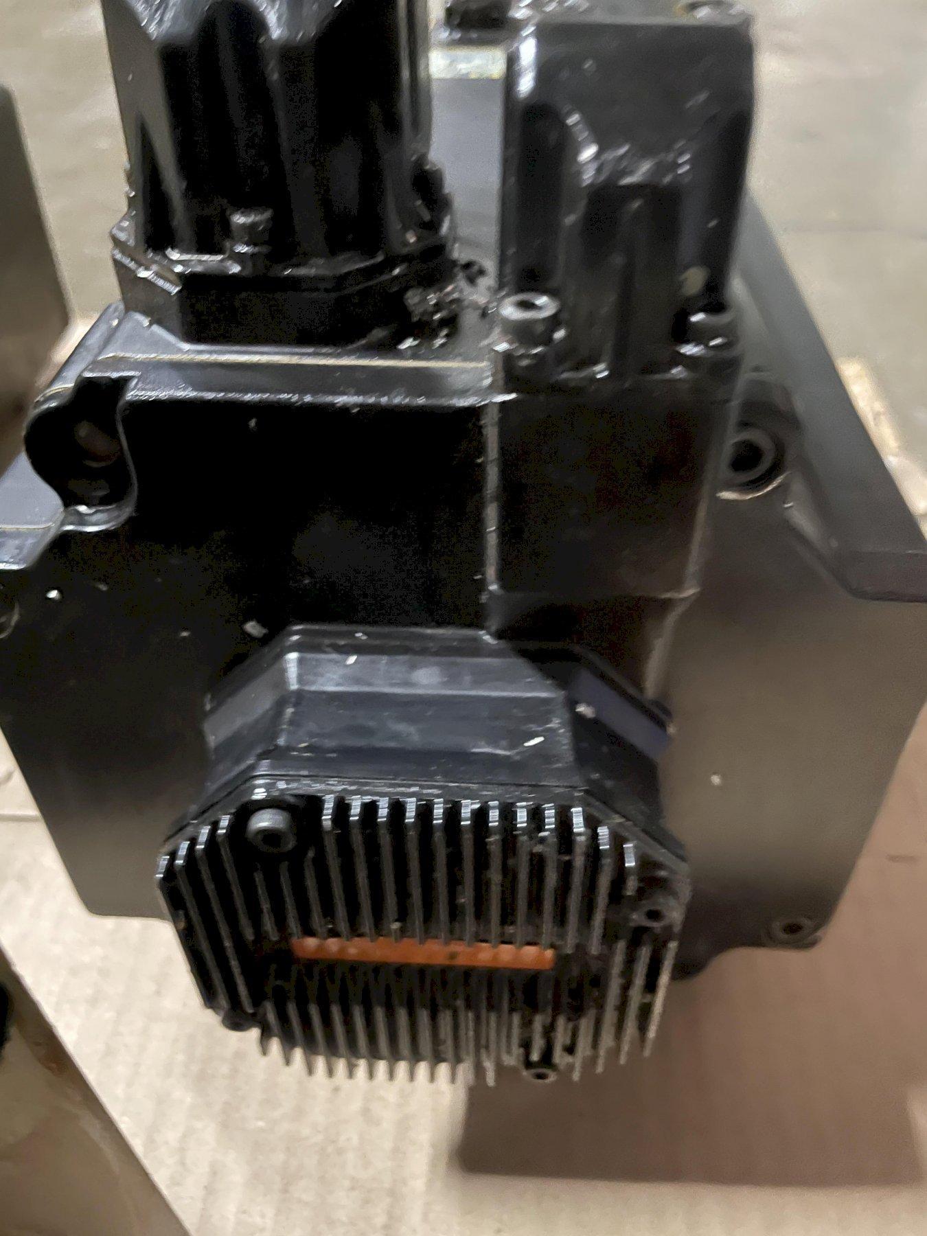 OKUMA AC SERVO MOTOR PX-MBF250J-15TB-A.