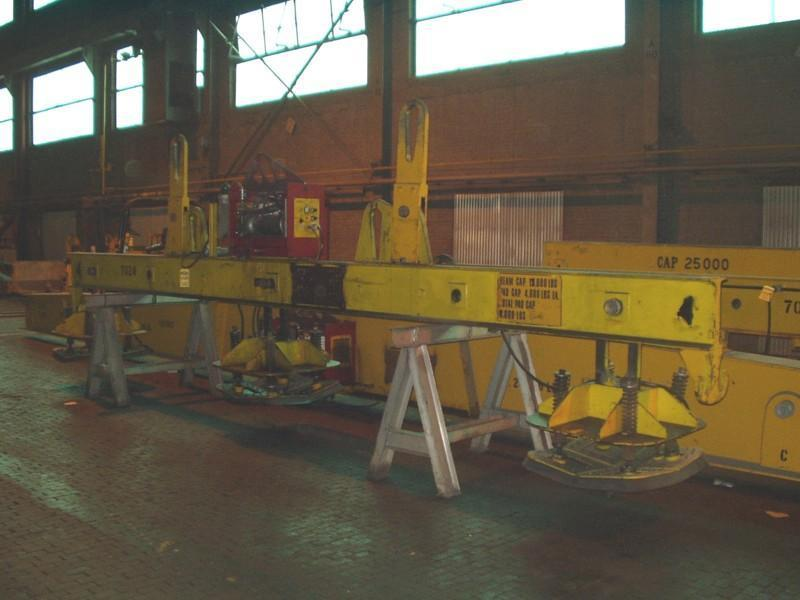 8,000# CMCI/UNIVAC SHEET LIFTER