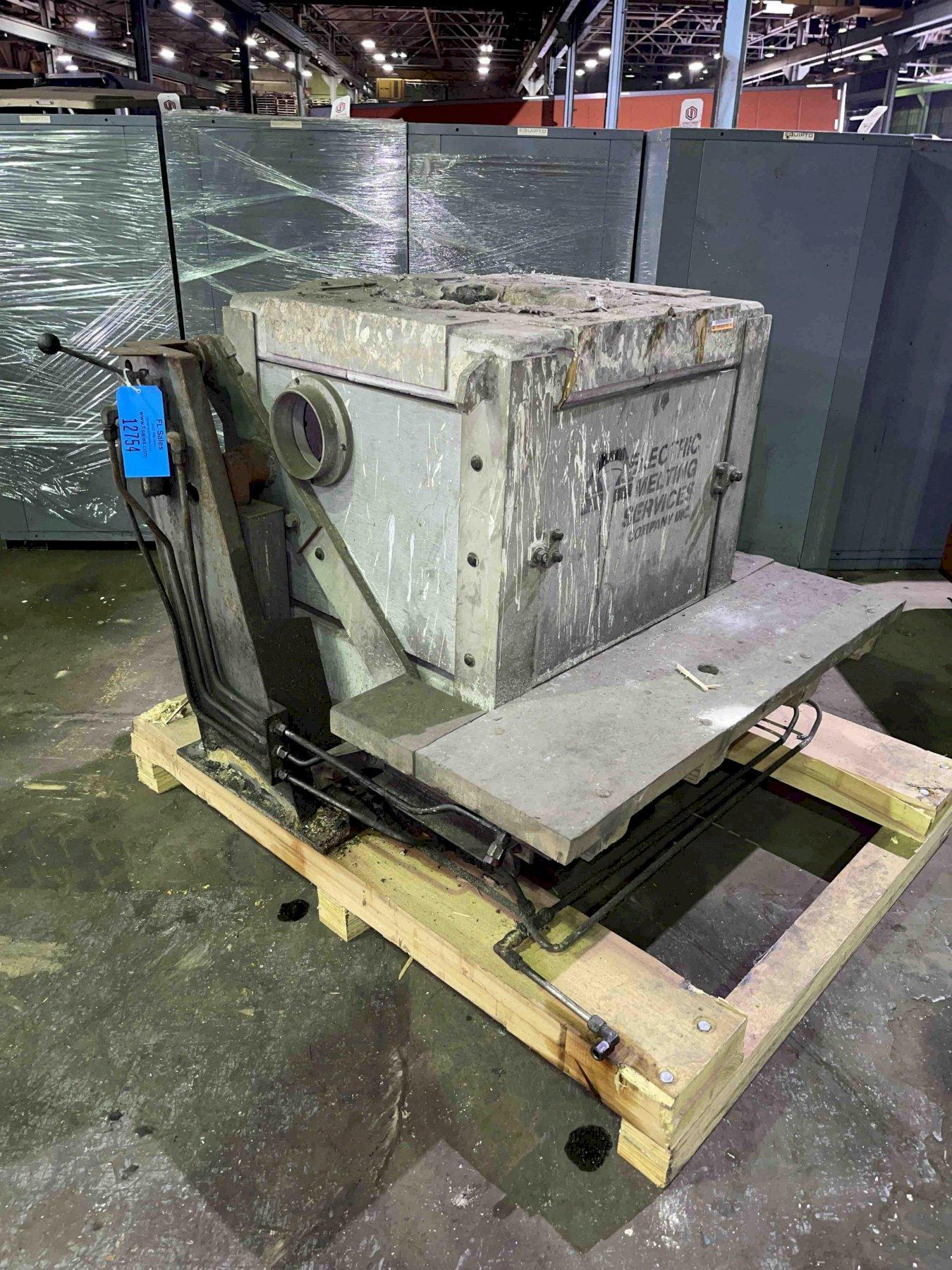 HYDRAULIC TILT TRANSITE BOX FURNACE WITH STAND NO HYDRAULIC PUMP,