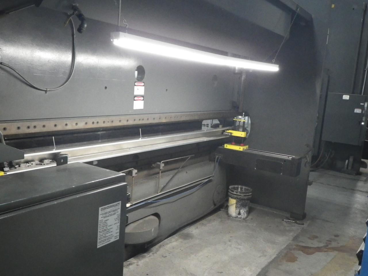 1984 Cincinnati 230ASx14, 16' x 230 Ton CNC Hydraulic Press Brake