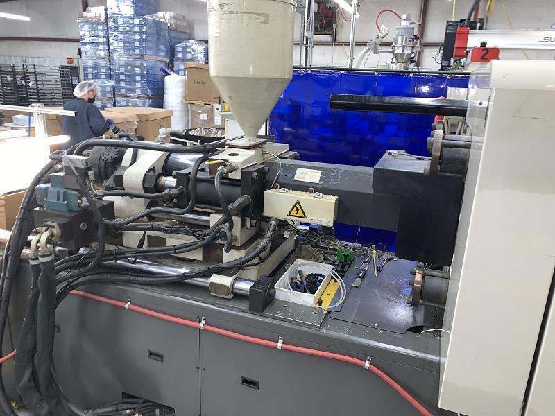 Cincinnati Milacron Used VT-165 Injection Molding Machine, 165 US ton, Yr. 1997, 13 oz.