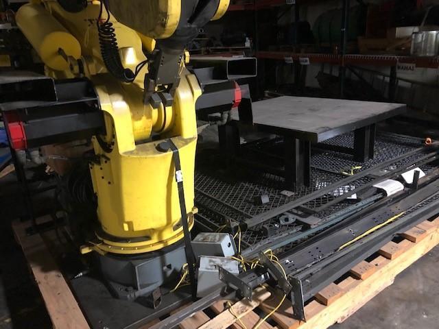 FANUC S-420 IF ROBOT ARM