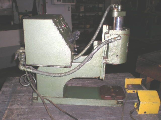"Conrac Presstaker Air Press No. 020-B-SA500, 2"" Stroke, 5"" x 5"" Bolster, 1 Phase"