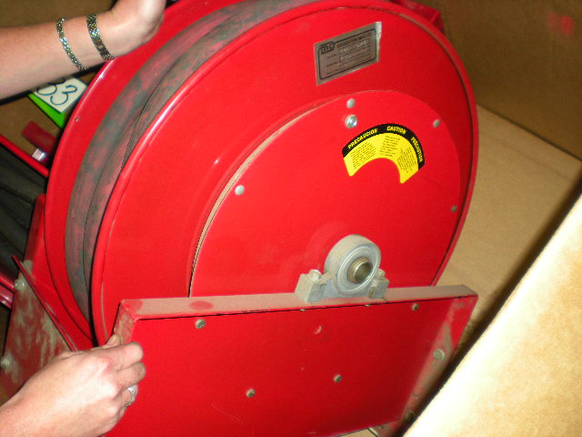 DOUGHTON SPRING RETRACTABLE AIR HOSE REEL