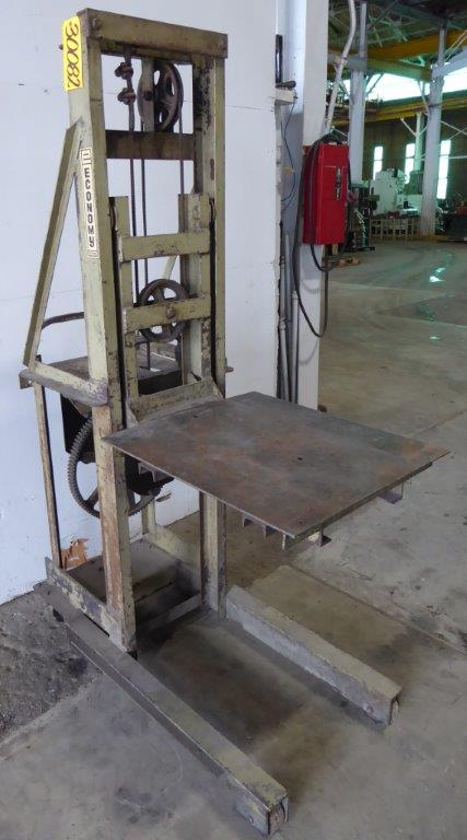 "2000 Lb. ECONOMY ""Shoplifter"" DX2, 54″ Lift Height, 24″ x 27″ Platform, Casters"