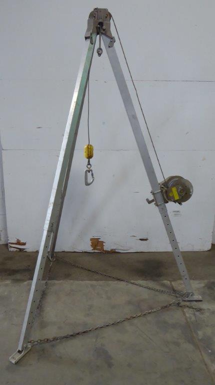 Winch/Tripod System, DBI/SALA Salalift L1850, 7′ Tripod, Winch