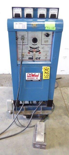 MILLER 330A/BP, 300 Amp, AC-DC Inert Gas Welder, Nice