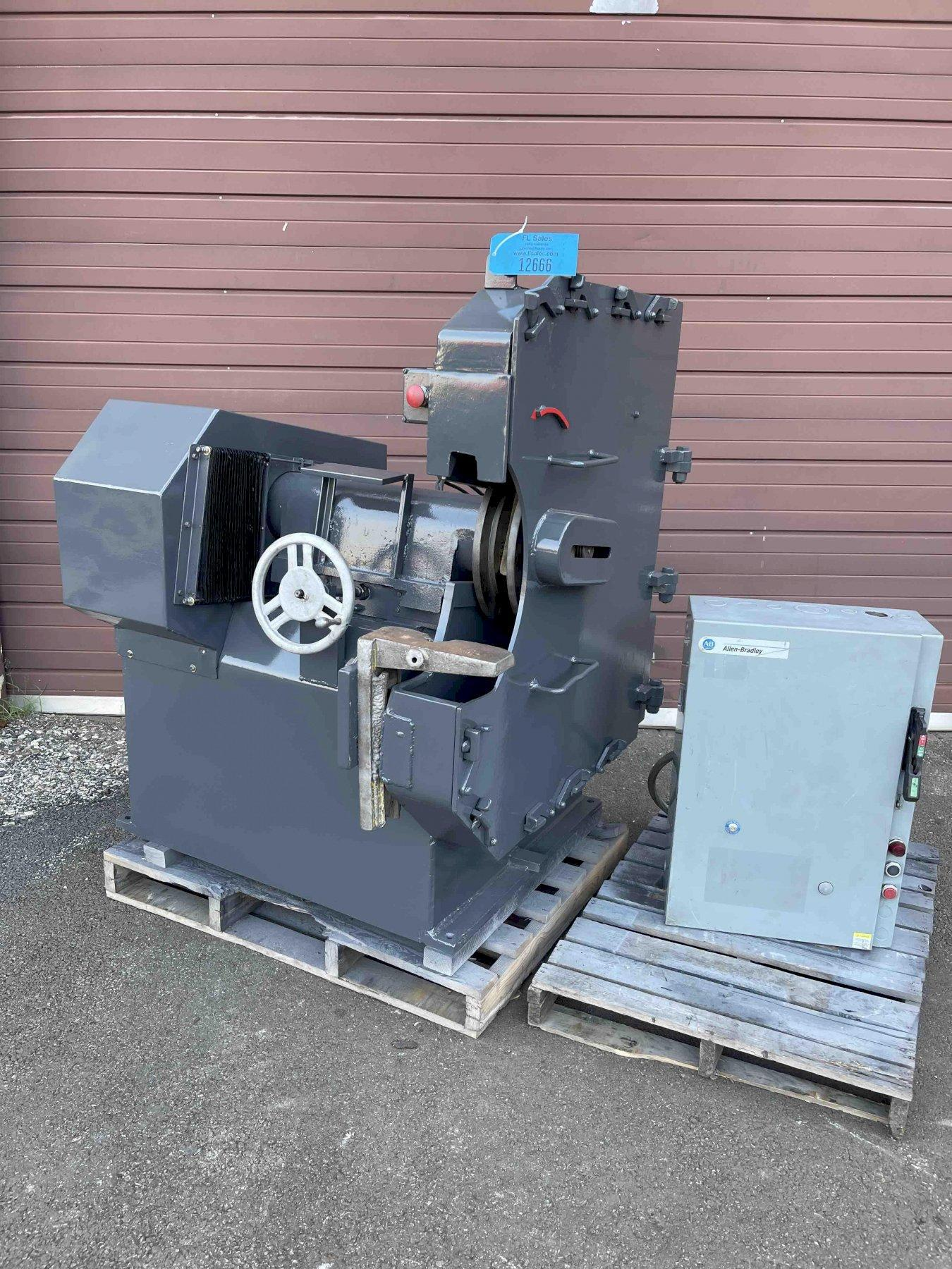 SETCO 922-525 MODEL 300 SINGLE END RIGHT HAND SNAG GRINDER WITH 25 HP MOTOR, STARTER  being offered reconditioned