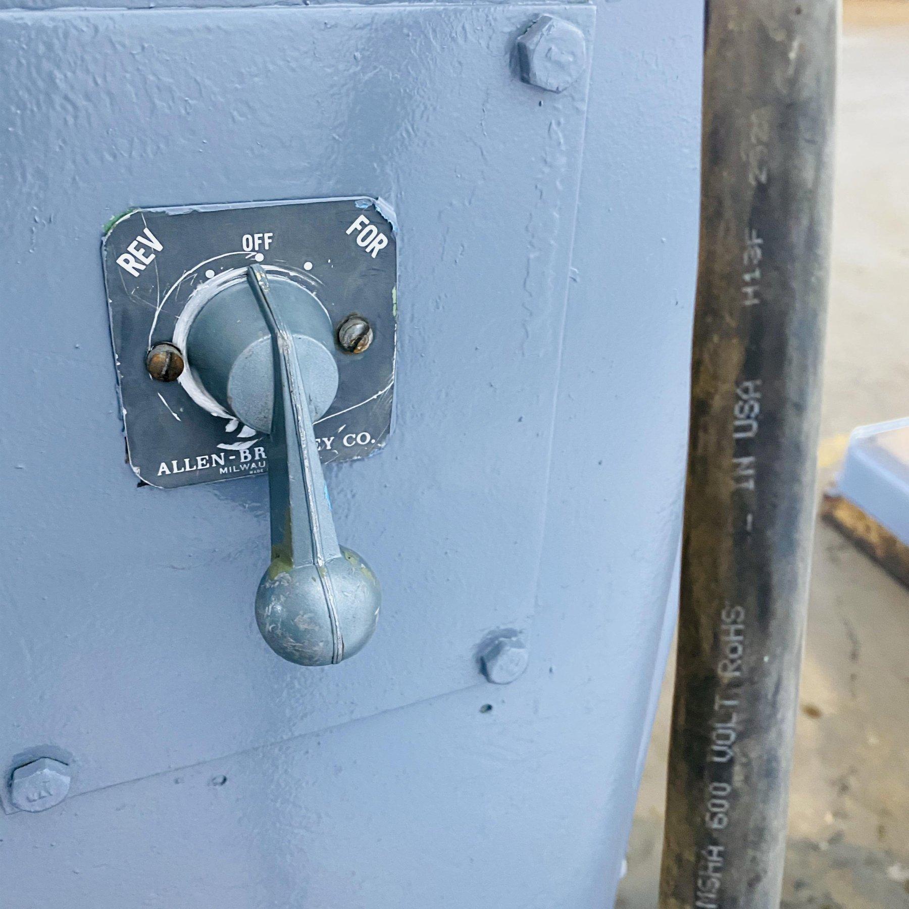 4,000 lb. American Steel Line Uncoiler
