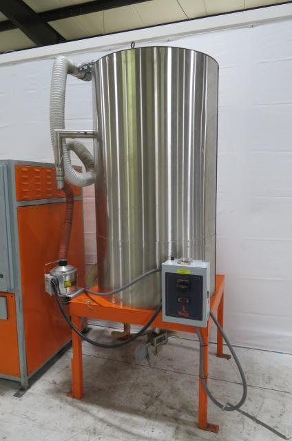 Motan Used MDD200 Material Dryer and Hopper, Approx 150 lb/hr, Desiccant, 480V, Yr. 2000