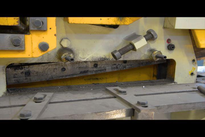 "110 TON GEKA HYDRACROP MODEL 110A, NEW 2006, 6 X 6 X 1/2"" CAP., MISC. TOOLING"