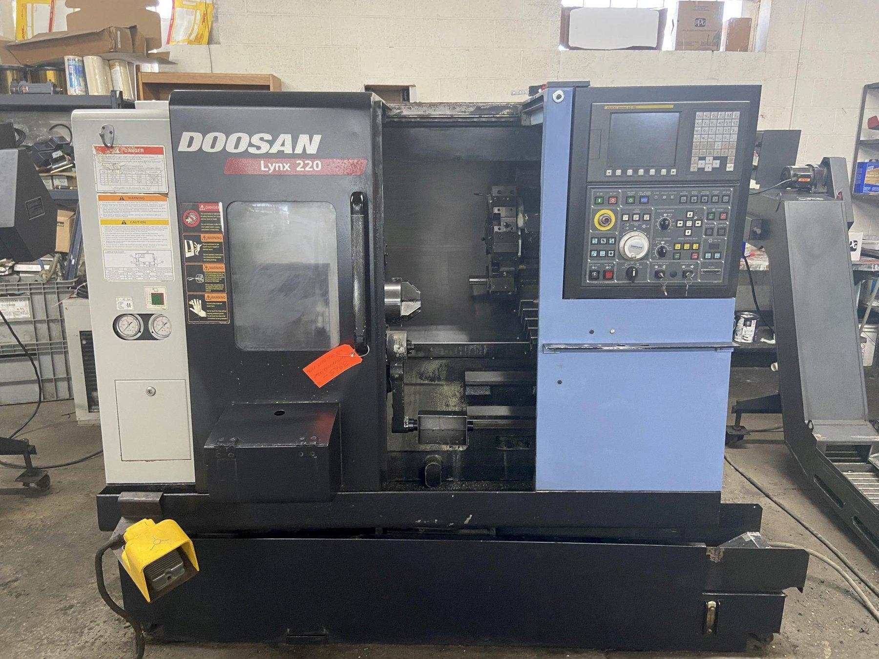 "Doosan Lynx 220A CNC Lathe, Fanuc 0iTC, 6"" Chuck, 20.8"" Swing, 12.6"" Turn Length, 12 Pos Turret, Probe, Holders, Parts Catcher, Prog TS, BF Ready, 2007"