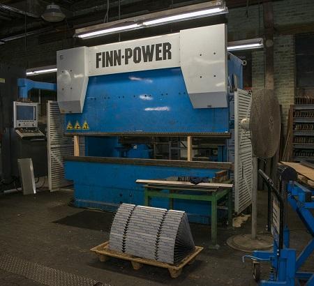 2001 Finn Power, 10' x 137 Ton, 8 Axis CNC Hydraulic Press Brake