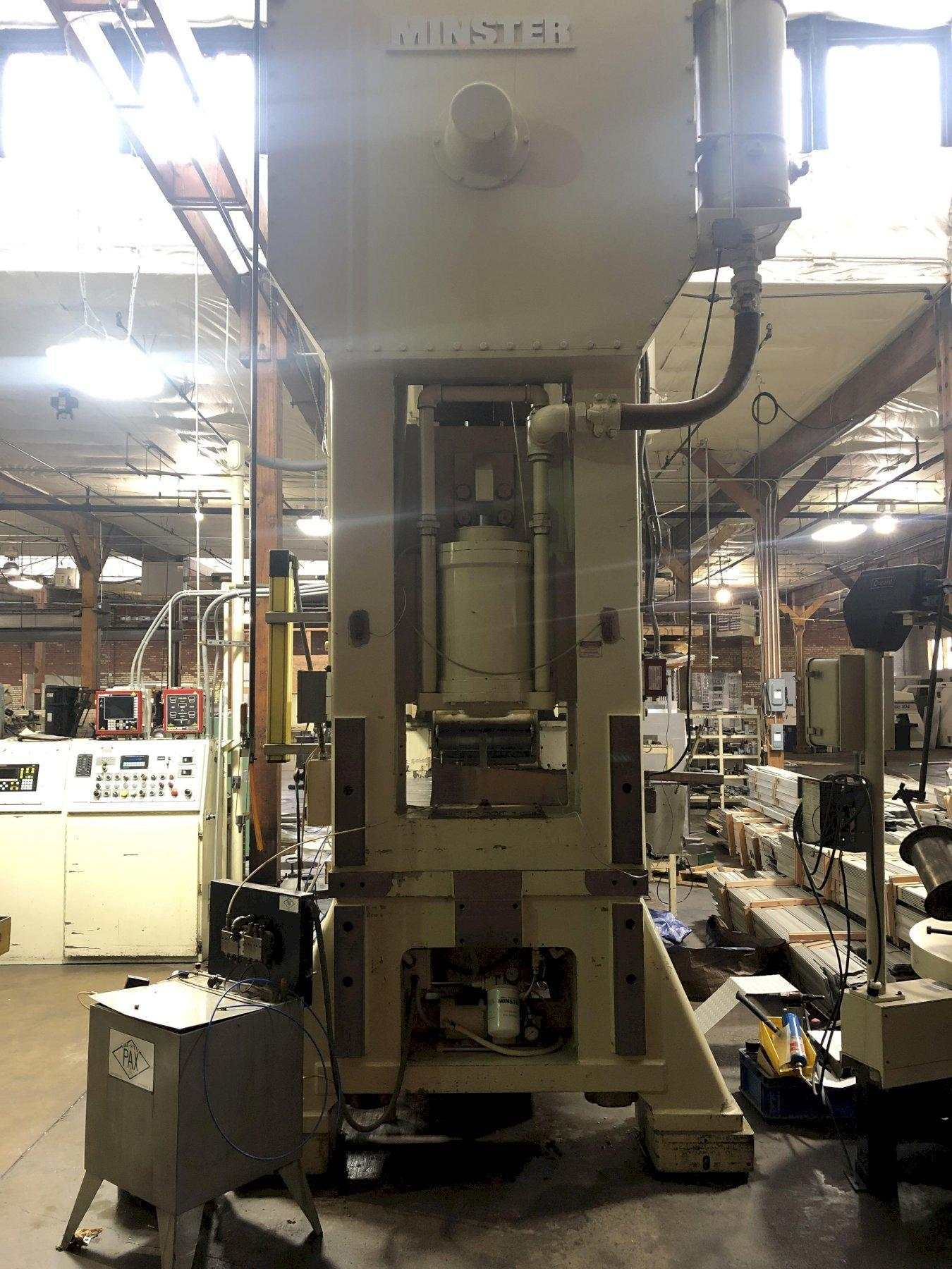 300 ton Minster E2-300-84-48 Hevistamper Straight-side Press
