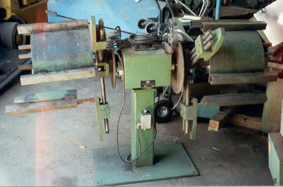 "2000 LB x 12"" Bertolette Double End Uncoiler Non-Motorized"