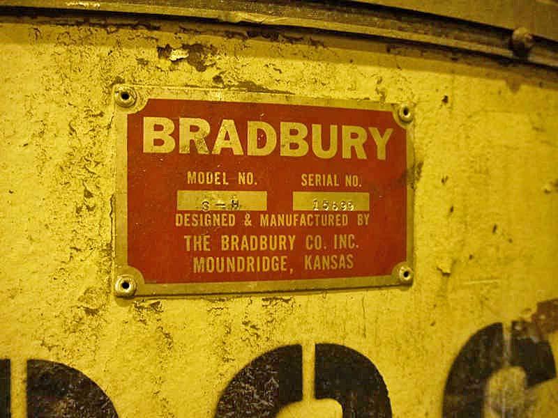 "30,000 LB x 48"" BRADBURY 3 ARM TURNSTILE"