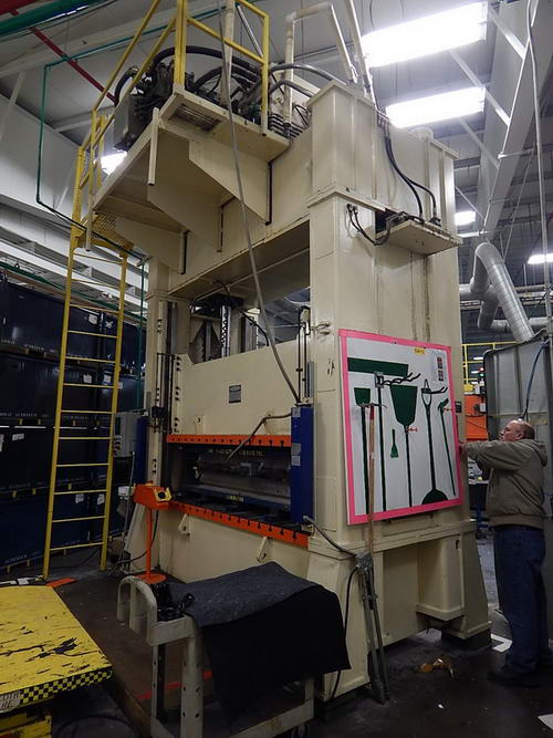 100 TON EAGLE HYDRAULIC PRESS
