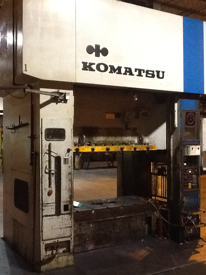 220 TON KOMATSU STRAIGHT SIDE DOUBLE CRANK PRESS