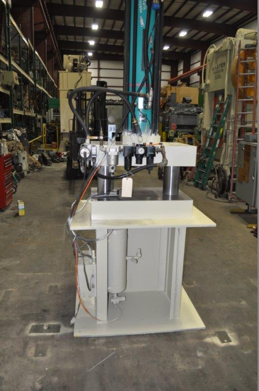 100 TON TOX - PRESSOTECHNIK AIR OVER HYDRAULIC PRESS