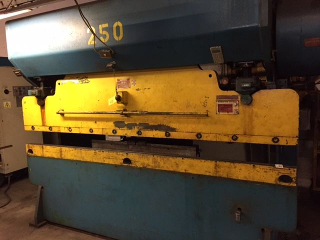 90 TON  x 10' CHICAGO DREIS AND KRUMP MECHANICAL PRESS BRAKE
