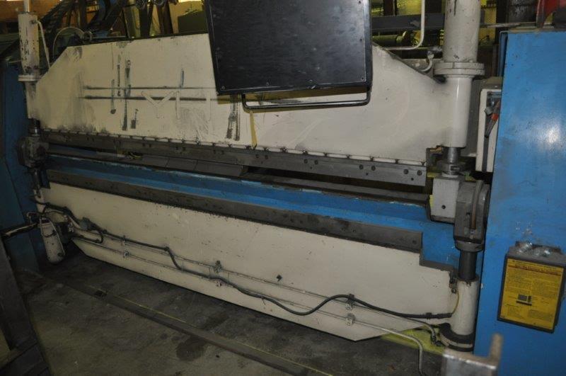 Y H 8' CNC FOLDING MACHINE