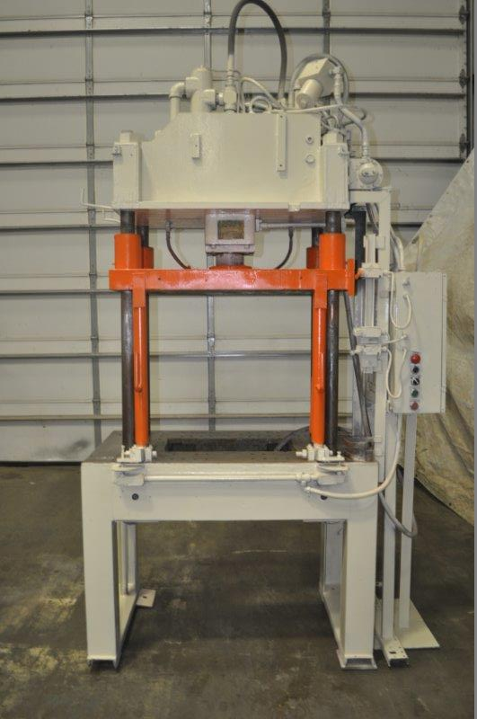 30 TON B & T 4 POST HYDRAULIC PRESS