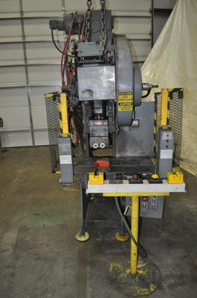 22 TON NIAGARA OBI PRESS