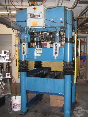 30 Ton Beckwood Four Post Hydraulic Press