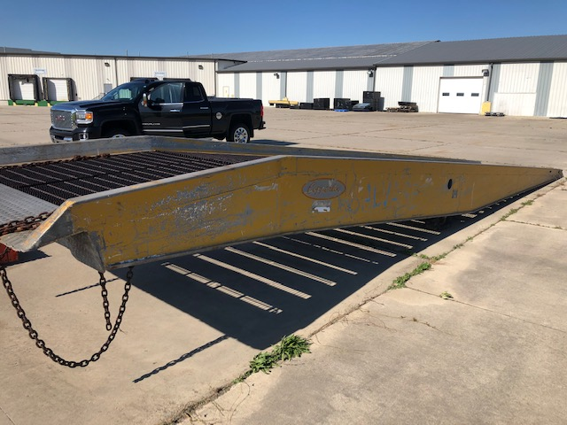 COPPERLOY PORTABLE LOADING DOCK