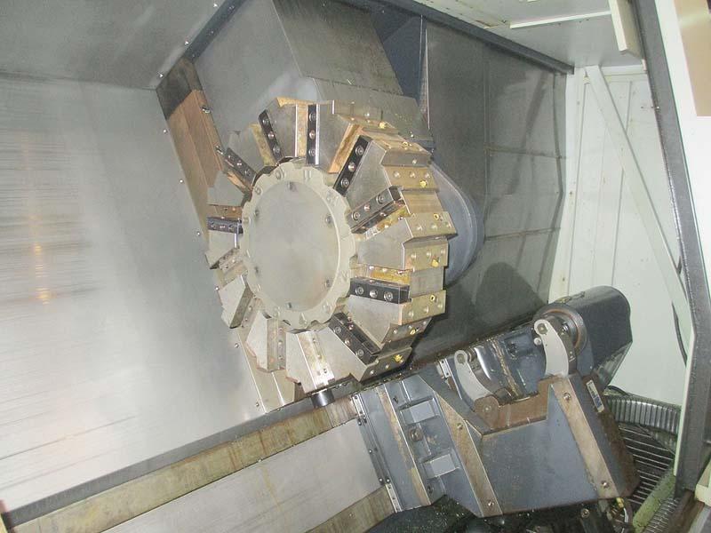 "DOOSAN LYNX 500, Fanuc Series 32i Model A CNC Control, 530mm (21"") Chuck, 900 mm (35.4"") Max Swing, 12 Position Turret, Chip Conveyor, New 2010."