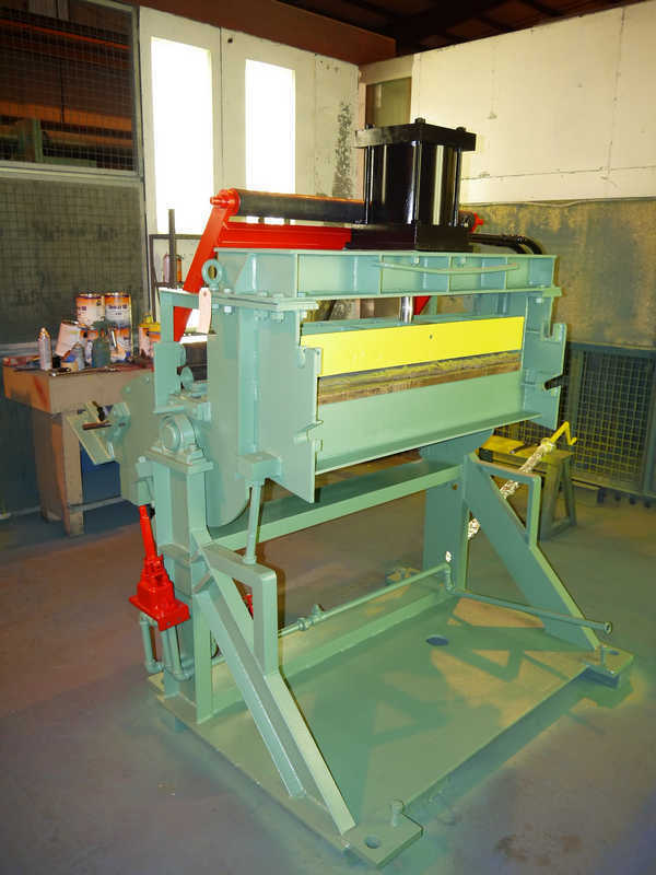 """Coil Tension Stand, Herr Voss, 40"""" Wide"""