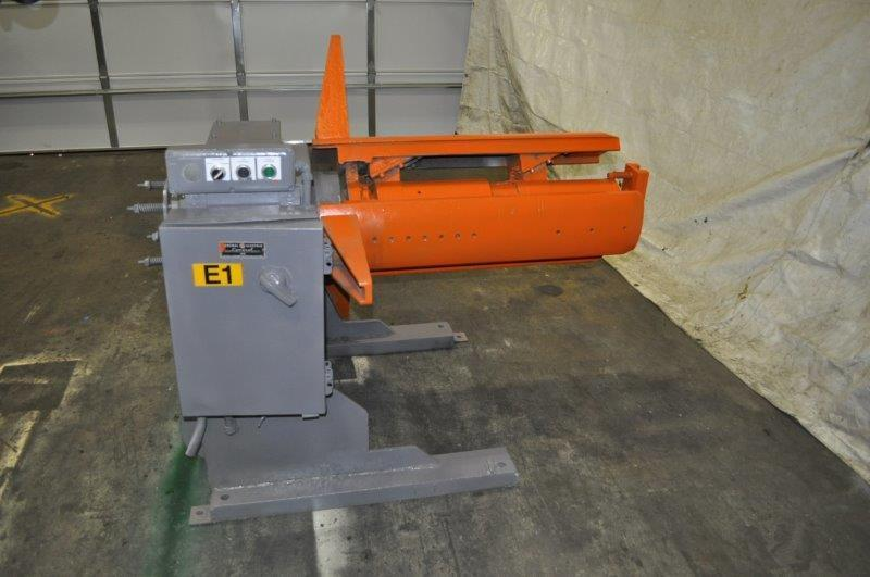 "4000 LB x 40"" Automatic Feeds Motorized Uncoiler"