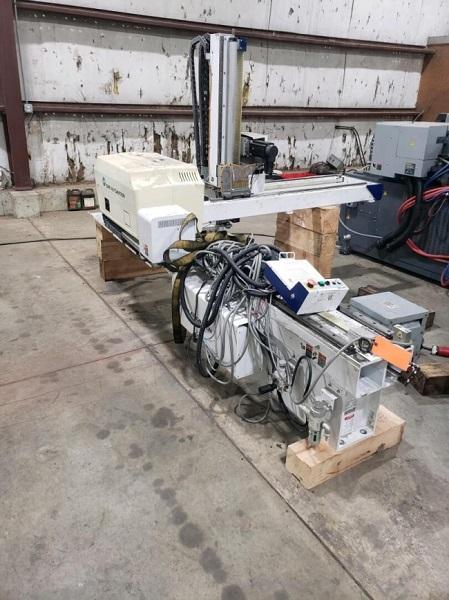 Star LW1600VI-480 Used Servo Robot, 500 to 1000 US ton, Yr. 2015