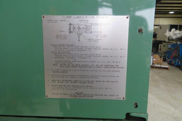 Cincinnati Milacron Used VSX33-1.08 Horizontal/Vertical Injection Molding Machine, 33 US ton, Yr. 1995, 1.08 oz., 460V
