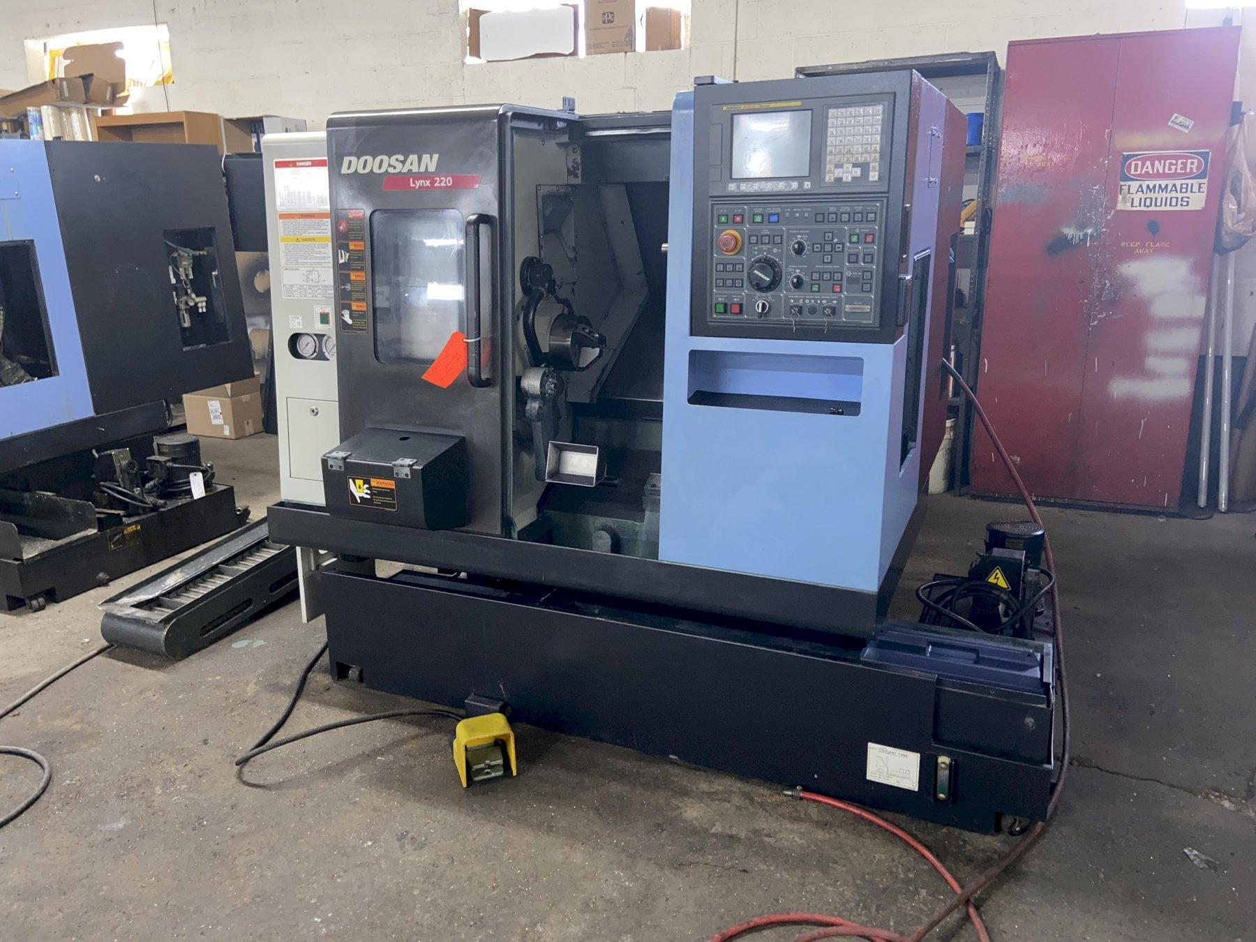 "Doosan Lynx 220A CNC Lathe, Fanuc i, 6"" Chuck, 20.8"" Swing, 12.6"" Turn Length, 12 Pos Turret, Probe, Holders, Parts Catcher, Prog TS, BF Ready, 2013"