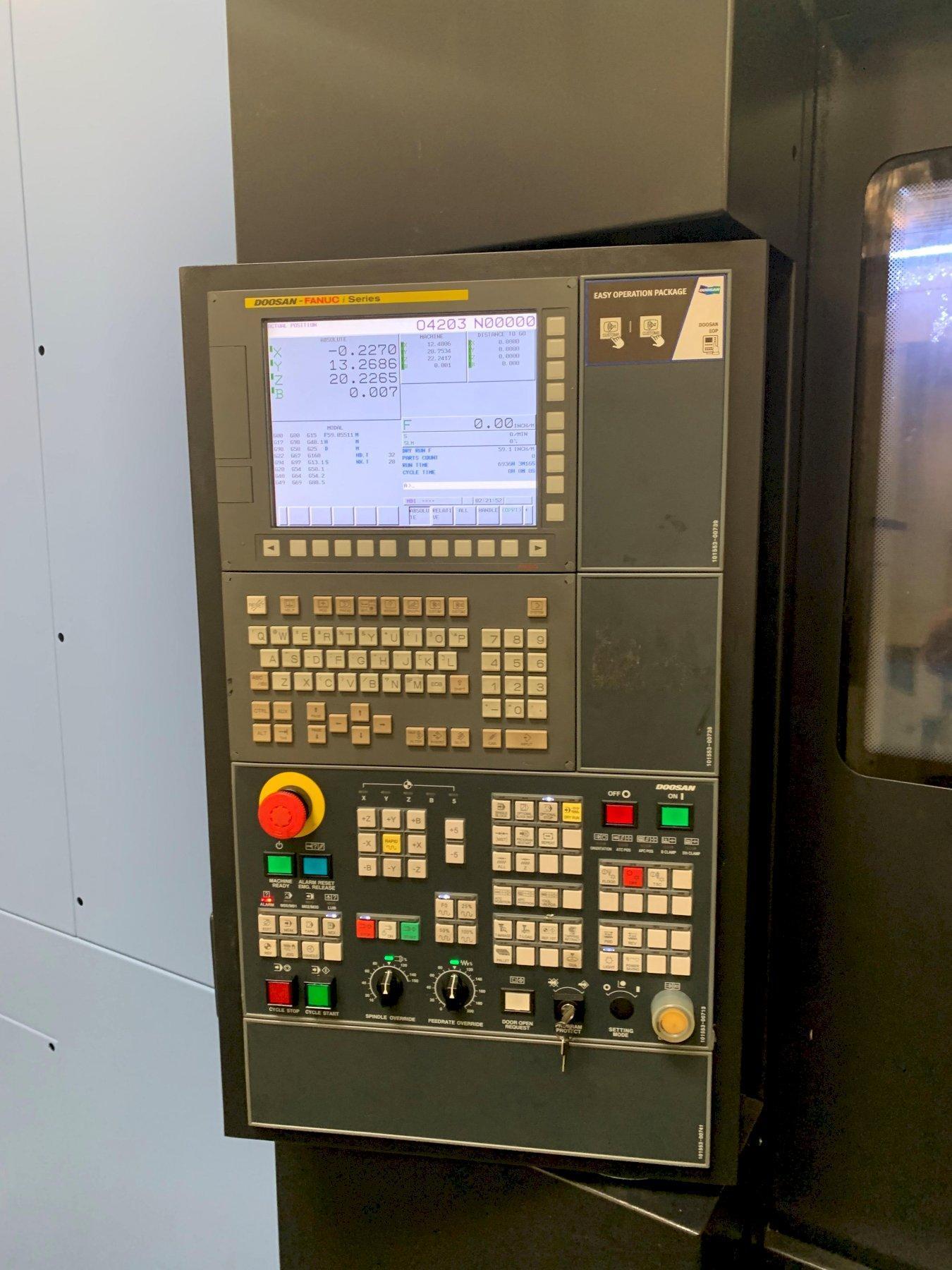 Doosan HC-400II HMC 2017 with: Fanuc Control, Full 4th Axis, Tool Presetter, Big Plus CT40 Taper, 12k RPM, 60-ATC, TSC, and Chip Conveyor.