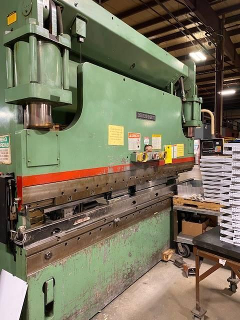 230 Ton CINCINNATI Hydraulic Press Brake 230CB10, 12′ O.A., 10'6″ B.H., 10″ Str., Hurco B.G., Clean