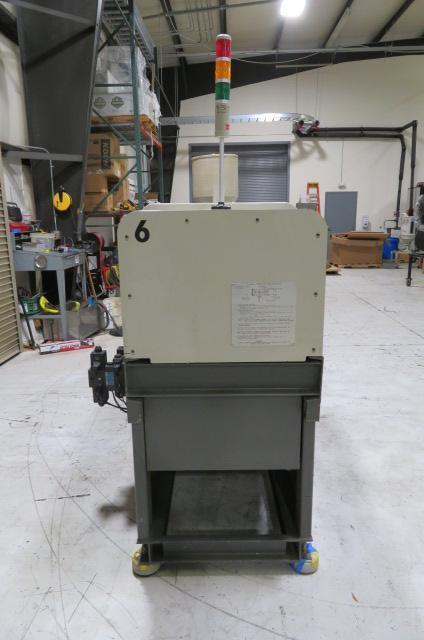 Cincinnati Milacron Used VSX33 Injection Molding Machine, 33 US ton, Yr. 1997, 2.27 oz.