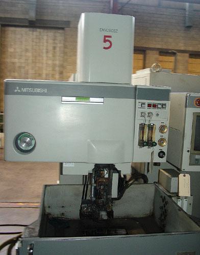MITSUBISHI DWC-90SZ CNC WIRE TYPE ELECTRIC DISCHARGE MACHINE.
