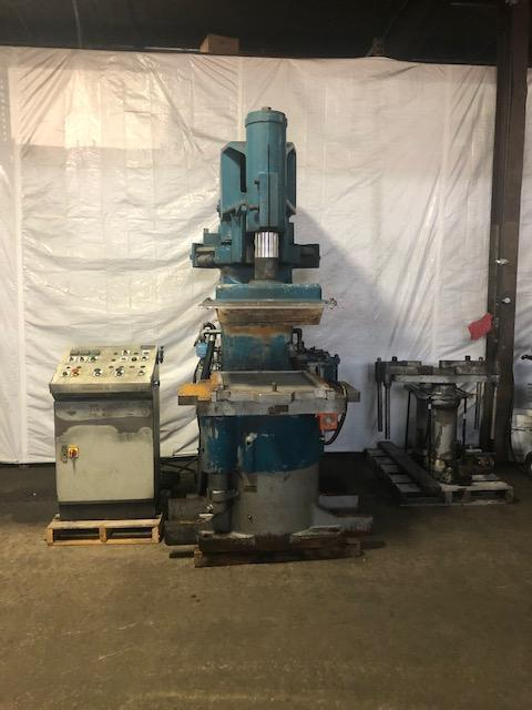 BMM MODEL QJS 222 MOLDING MACHINE S/N DH11254 WITH OMROM SYSMAC C20 PLC CONTROLS, VERY NICE CONDITION
