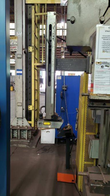 2006 Accurpress 7075016, 16' x 750 Ton CNC Hydraulic Press Brake