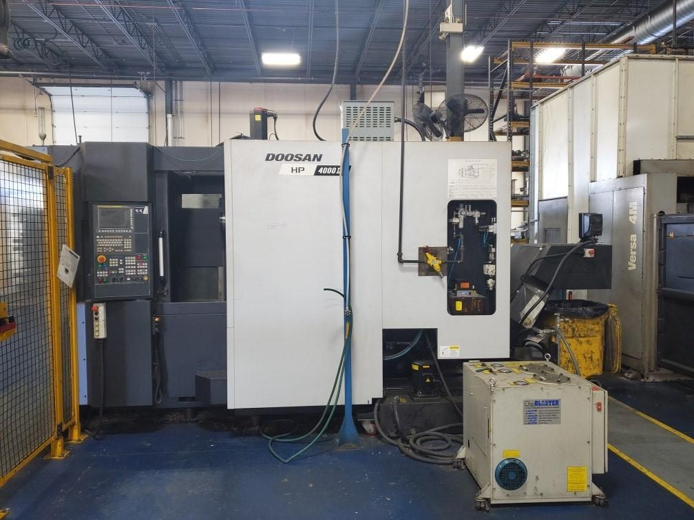 "Doosan HP4000II CNC Horizontal Machining Center, Fanuc 31iMB, Full 4th, 15.75"" Pallets, 14K Spindle, CAT40, CTS, 60 ATC, Hyd Clamp, Tool Breakage Detect, Chip Conveyor, 2016"