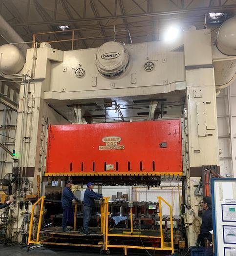 1000 TON DANLY S4-1000-204-102 STRAIGHT SIDE PRESS. STOCK # 0955920