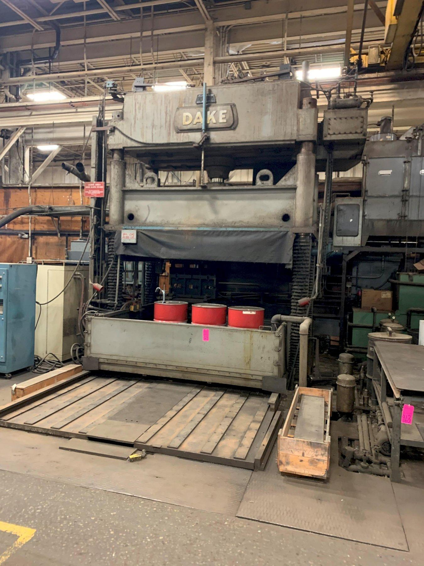 150 TON DAKE MODEL #18-467 4-POST DOWN ACTING HYDRAULIC SPOTTING PRESS. STOCK # 1265220