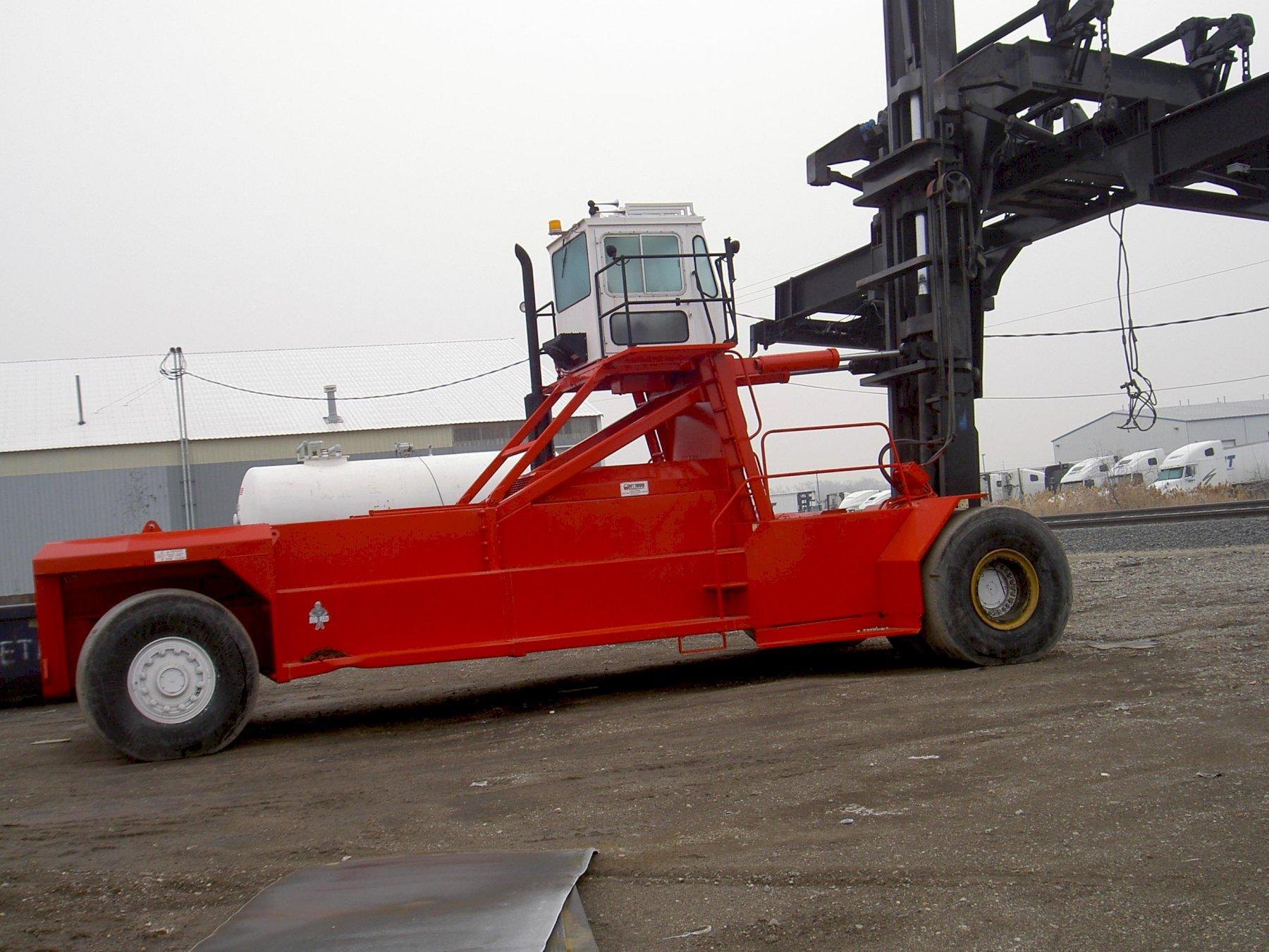 110,000 LBS TAYLOR MODEL TYTC110 FORLIFT WITH CONTAINTER LIFTER: 64988