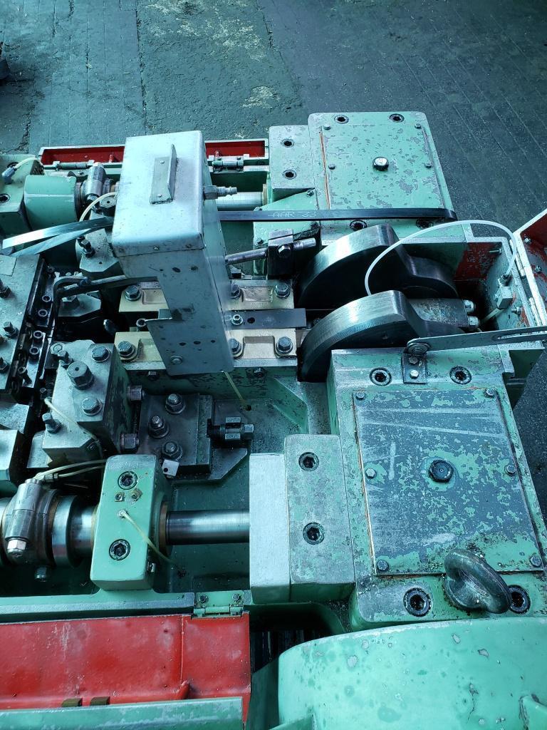 Vitari V17 Nail Machine