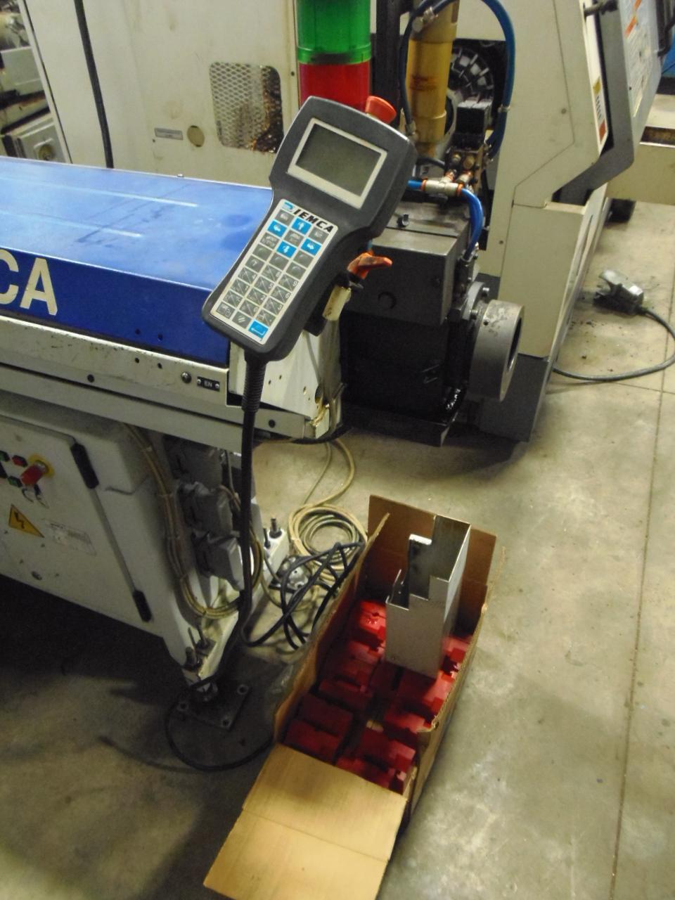 MAZAK QTN-200 CNC LATHE, 24 x 26, FUSION 640T CONTROL, IEMCA BOSS 547/37 BARFEED, 2003