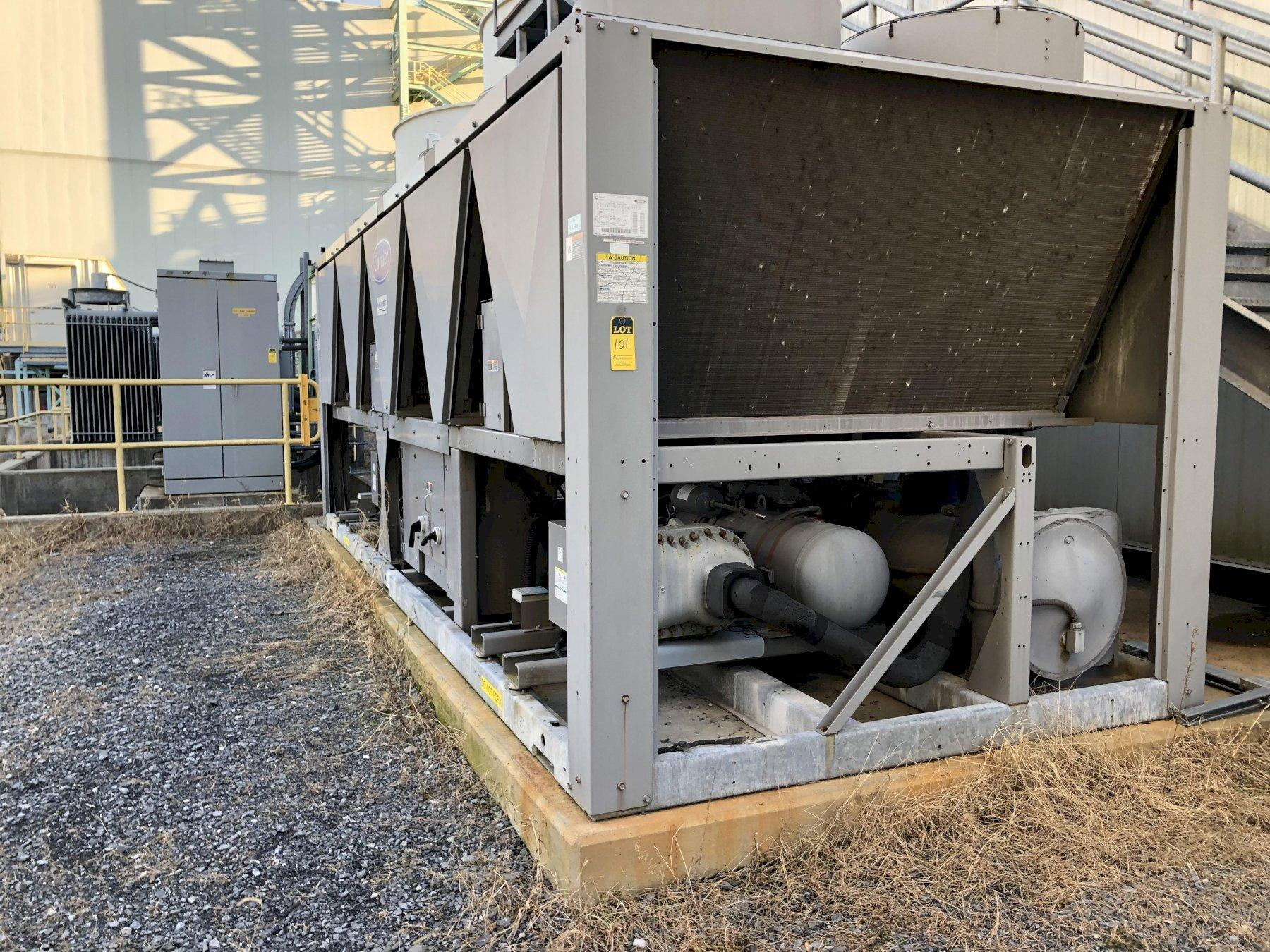 Carrier model 30xab1406-ogs63 chiller s/n 0511q91846, 10- 3.6 hp fans, 2- compressors